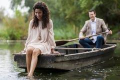 Couples dans le bateau Photos libres de droits