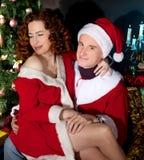 Couples dans le costume s'usant de carnaval d'amour Photo stock