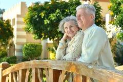 Couples dans le jardin Photo libre de droits