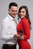 Couples dans le jour du ` s de Valentine Photographie stock