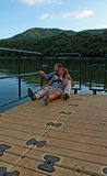 Couples dans le lac Photos stock