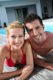 Couples dans le maillot de bain Photographie stock libre de droits