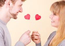Couples dans le moment affectueux Image libre de droits