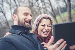 Couples dans le selfie d'amour Photographie stock
