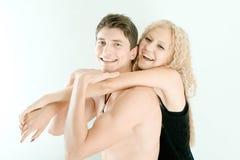 Couples dans le smilin d'amour Images libres de droits