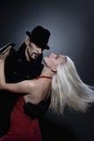 Couples dans le tango de danse d'amour Photographie stock libre de droits