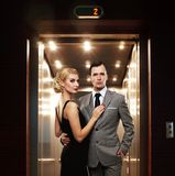 Couples dans le vestibule Photos stock