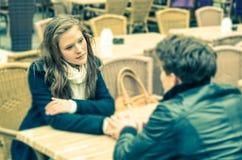 Couples dans un moment profond d'une confession Photo libre de droits