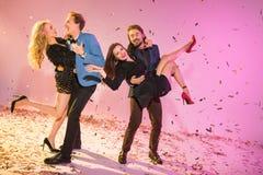 Couples dansant sur la partie Images stock