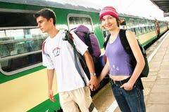 Couples de déplacement Photographie stock libre de droits