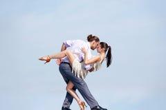 Couples de danse images libres de droits
