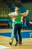 Couples de danse? d'isolement sur le blanc Photo libre de droits