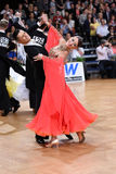 Couples de danse de salle de bal, dansant à la concurrence Images stock