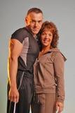 Couples de forme physique de regarder Photographie stock