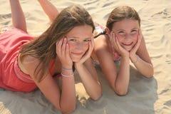 Couples de jeunes filles Photographie stock libre de droits