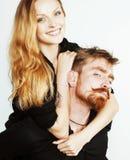 Couples de jeunes, homme et femme tendres dans l'amour sur le blanc, FO Images stock