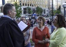 Couples de Lesbain se mariant dans le Wisconsin Photos libres de droits