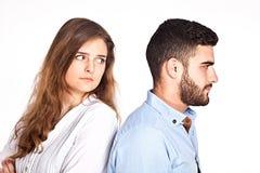 Couples de métis faisant isoler des problèmes de ralationship dessus Image libre de droits