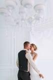 Couples de mariage dans l'amour Photo stock