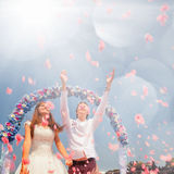 Couples de mariage, mariage, voyage de sumer de lune de miel chez Hawaï Images libres de droits