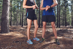 Couples de montre de sports image stock