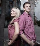 Couples de nouveau au dos Image libre de droits