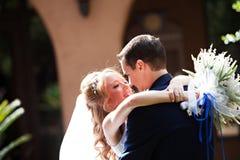 Couples de nouveaux mariés Image libre de droits