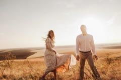 Couples de portrait, nature d'amour de tendresse Photographie stock libre de droits