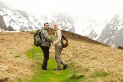 Couples de randonneur Photo libre de droits