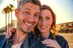 Couples de sourire d'amants Image libre de droits