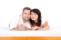 Couples de sourire heureux images stock