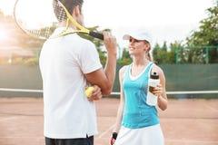 Couples de tennis photos stock