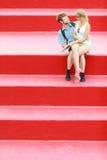 Couples de touristes dans l'amour voyageant ensemble datant Photographie stock