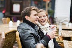 Couples de touristes dans la ville Photos libres de droits