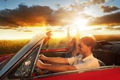 Couples de voiture de vintage Images stock