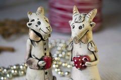 Couples des chèvres en céramique, plan rapproché Images libres de droits