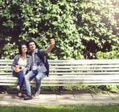 Couples des hippies de déplacement Photos stock