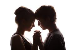 Couples des jeunes dans l'amour Photo stock