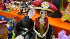 Couples des squelettes Images stock
