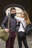 Couples des voyageurs extérieurs Photographie stock