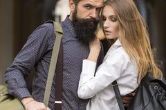 Couples des voyageurs extérieurs Photo libre de droits
