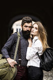 Couples des voyageurs extérieurs Photos libres de droits