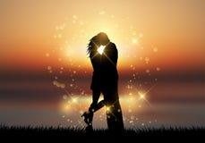 Couples embrassant sur un fond de coucher du soleil illustration de vecteur