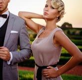 Couples en beau parc Image stock