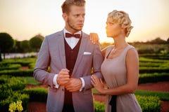 Couples en beau parc Images libres de droits