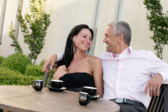 Couples en café Photo libre de droits