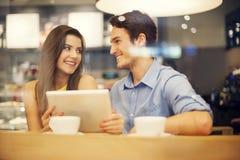 Couples en café Image stock