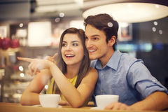 Couples en café Photographie stock