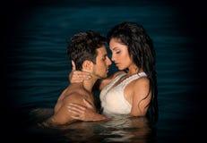 Couples en mer Photo libre de droits