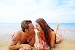 Couples et mer images libres de droits